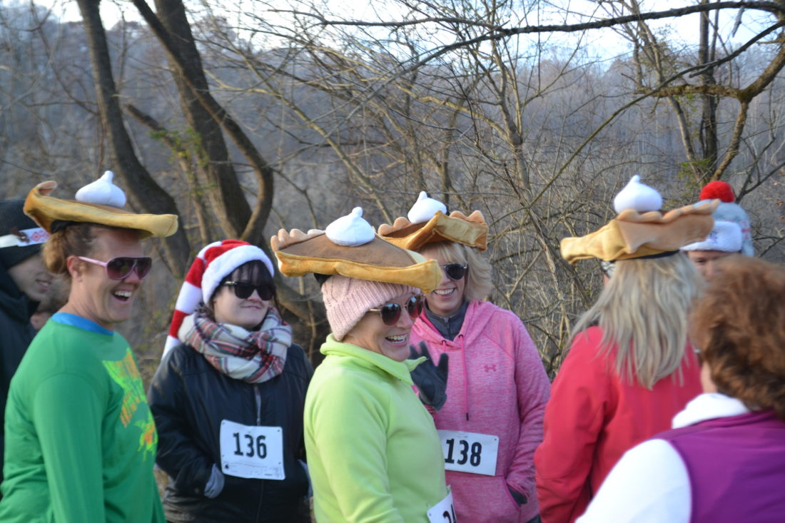 Turkey Trot 5K draws more than 1K runners, walkers