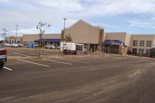 The new Lowe's store in the Maui Business Park is almost complete, with store officials saying it should open in mid-January. The new store will have 22 percent more sales floor area than its current site at the Maui Marketplace. The Maui News / MELISSA TANJI photo