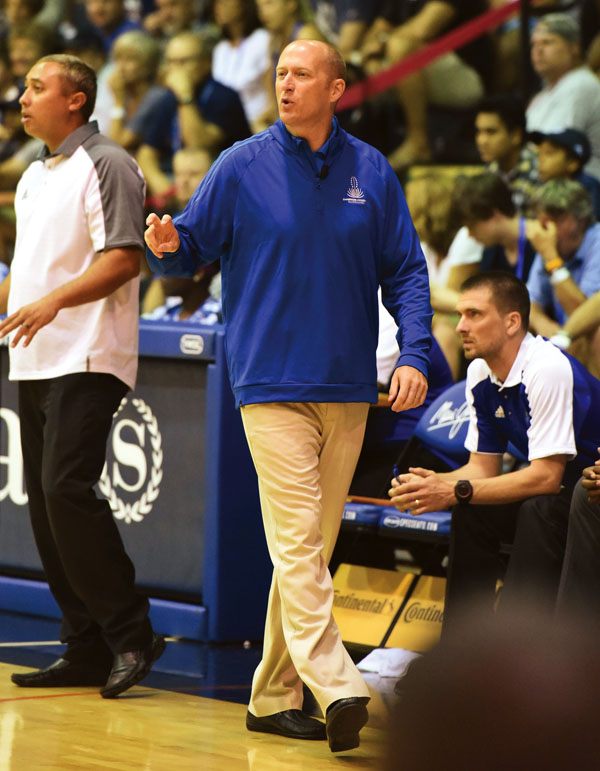 Eric Bovaird, the Silverswords' coach, calls a second-half play. The Maui News / MATTHEW THAYER photo