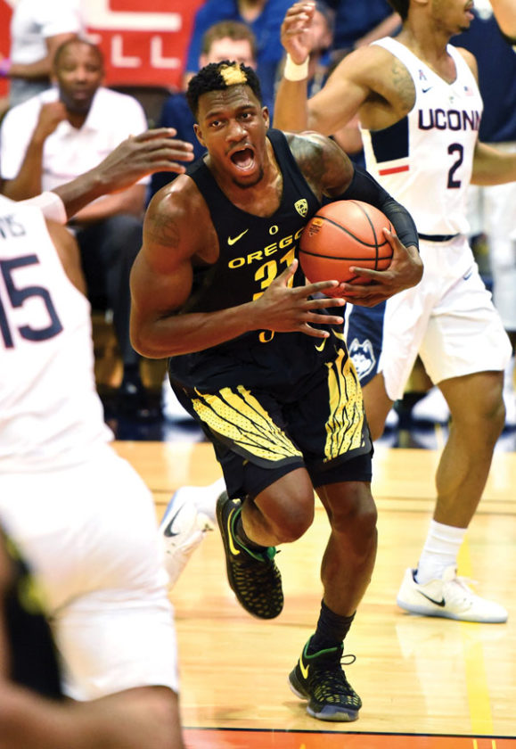 Oregon's Dylan Ennis reacts after being fouled in the first half. The Maui News / MATTHEW THAYER photo