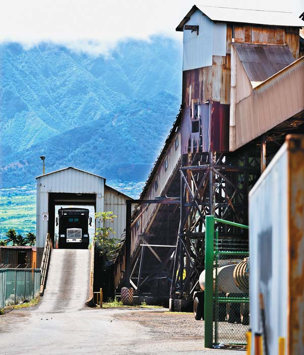 Beau A Kahului Trucking U0026 Storage Truck Is Weighed As It Delivers Raw Sugar To  The Scale House. The Maui News / MATTHEW THAYER Photo