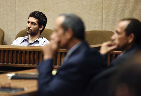 Steven Capobianco (from left) appears in court Thursday morning with attorneys Jon Apo and Matthew Nardi. The Maui News / MATTHEW THAYER photo