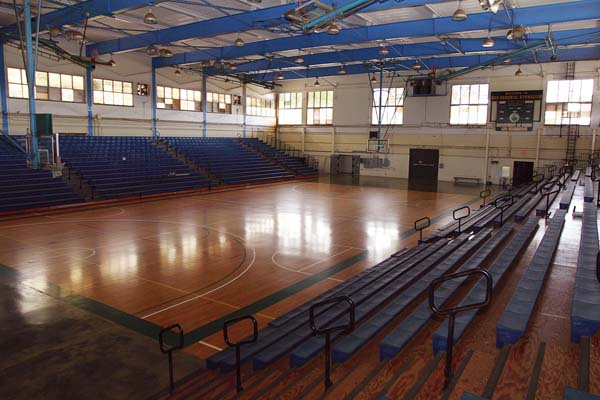 The nearly 60-year-old War Memorial Gym has not seen a major renovation in over two decades. The gym hosts many high-profile sporting events as well as fairs, exhibits and other events. The Maui News / CHRIS SUGIDONO photo