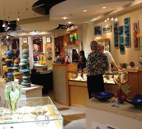ARTwalk On First Wednesdays Photo Courtesy The Shops At Wailea
