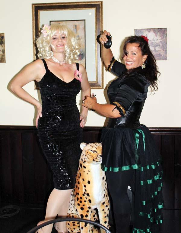 Karen Stavash and castanet player Aimee Adams; The Maui News / CARLA TRACY photo