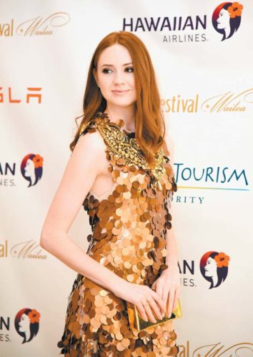 Actress Karen Gillan poses for photographers at the Four Seasons Resort Maui at Wailea on Saturday before accepting the Maui Film Festival's Rising Star Award at the Celestial Cinema at the Wailea Gold & Emerald Golf Course. The Maui News MATTHEW THAYER photo