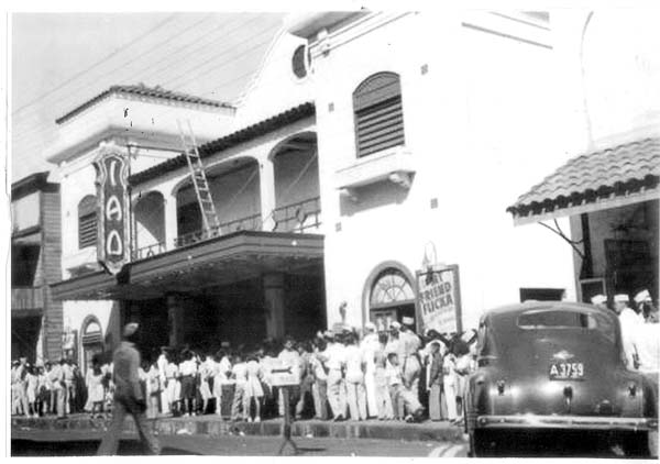"""Iao Theater circa 1940 with servicemen and locals lining up to see """"My Friend Flicka."""" Photo courtesy Maui Historical Society"""