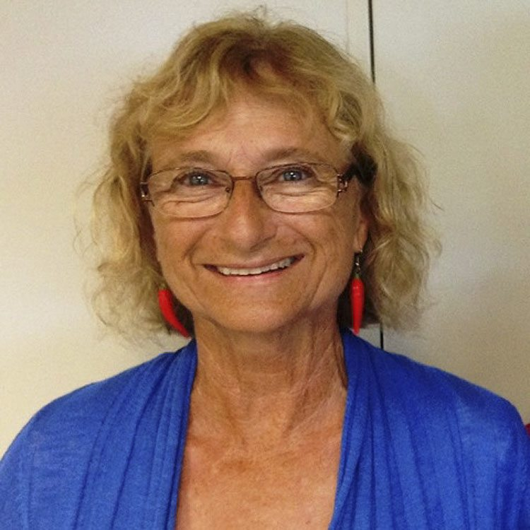 Diane Petropulos is a lead mediator and trainer for Maui Mediation Services, a 501(c)(3) nonprofitorganization that provides alternative disputeresolution, facilitation and training to Maui, Molokai and Lanai residents.
