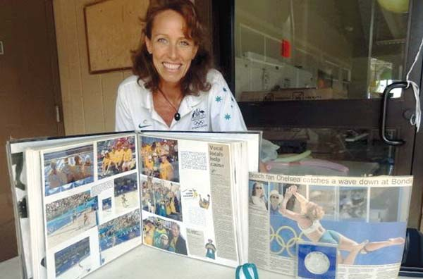 """Olympic volleyball player and Maui resident Annette Lynch shared stories about her experiences as a professional athlete with teens at the 2014 """"The Gift of You"""" event."""