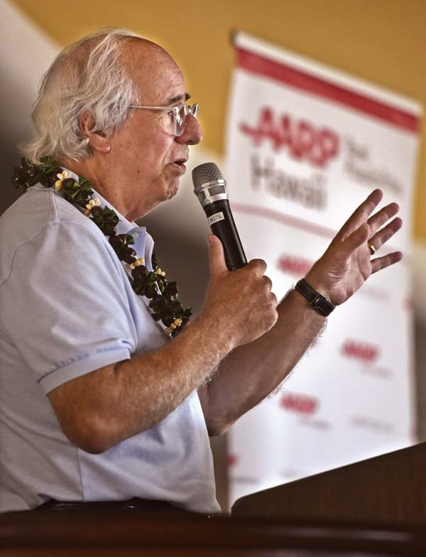 "Frank Abagnale, who was the subject of the 2002 movie ""Catch Me If You Can,"" speaks to a crowd of around 350 at the King Kamehameha Golf Club on Saturday morning. Abagnale said that the key to stopping a scam is simple: ""Stop. Verify."" -- The Maui News / MATTHEW THAYER photo"