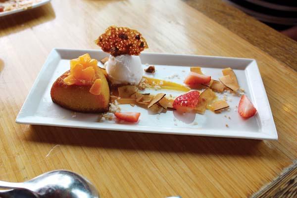 Grand Wailea's Bistro Molokini desserts