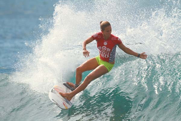 Sally Fitzgibbons, shown competing in the 2014 Maui Pro, will take on Silvana Lima and Brisa Hennessey when this year's competition gets underway. The holding period at Honolua Bay starts today. -- Nani Loa Photography / TOM COOPER photo