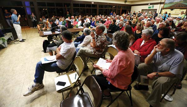 More than 150 Upcountry residents attended a Kula Community Association meeting. The Maui News / CHRIS SUGIDONO photo