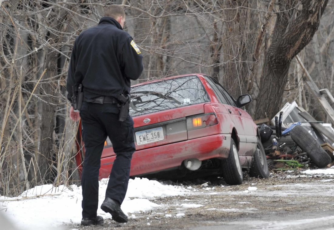 fort dodge chase suspect found up a tree news sports jobs. Cars Review. Best American Auto & Cars Review
