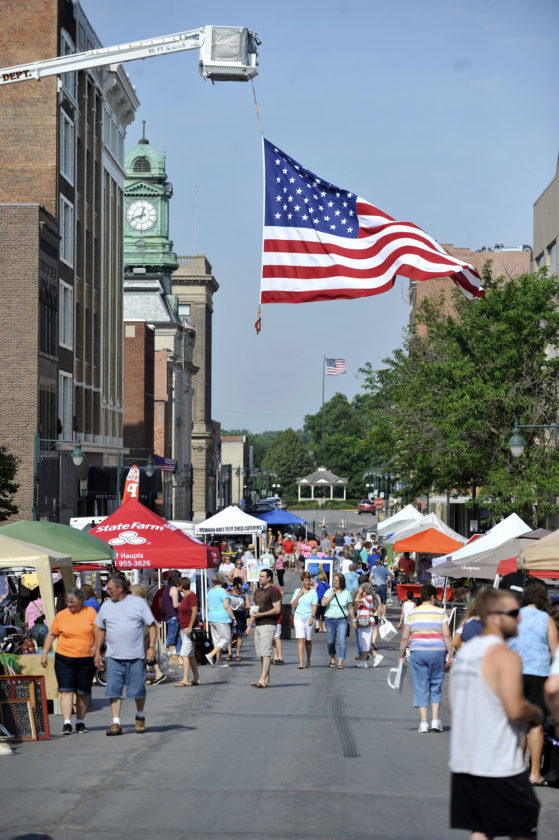 file photo market on central attracts people to downtown fort dodge. Cars Review. Best American Auto & Cars Review