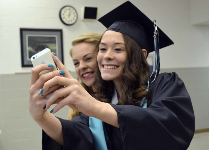 - Messenger photo by Kriss Nelson  2017 graduate Keanna Taylor and her cousin and usher Karissa Hiesterman take a selfie while prepping for Southeast Valley High School graduation on Sunday afternoon in Gowrie.