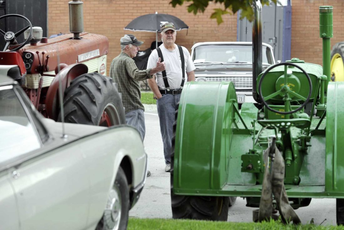 Tractors, cars and Jeeps | News, Sports, Jobs - Messenger News