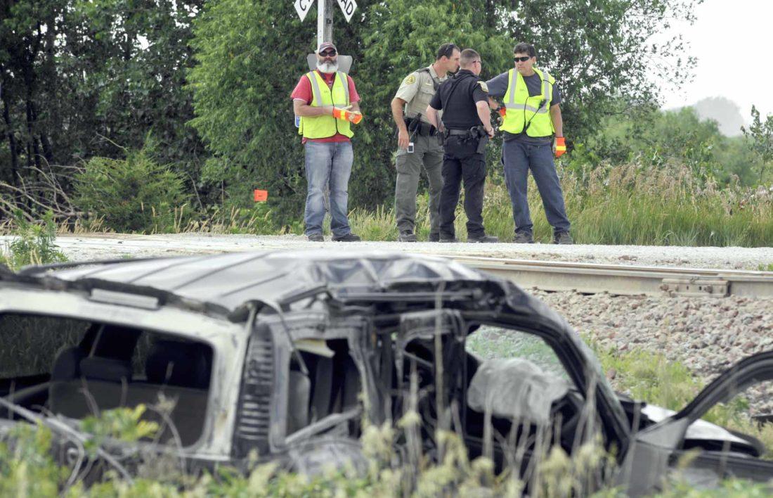 Woman 3 Kids Hurt In Car Train Crash News Sports Jobs
