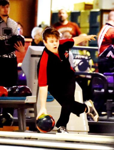 Messenger photo by Britt Kudla  Kaleb Anderson of Fort Dodge competes in the district meet on Tuesday at Ridgewood Lanes.