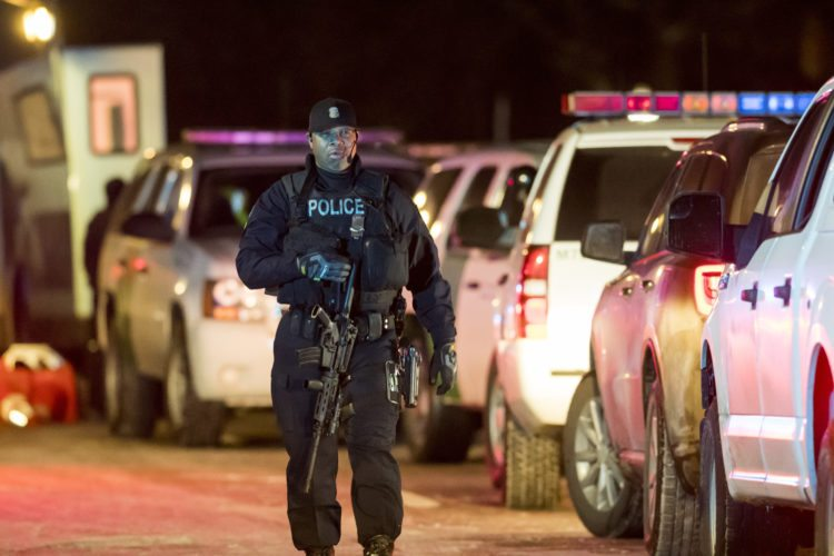Gunman In Detroit Kills 3 Women Injures Officers