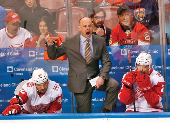 Blashill returns to Red Wings for another season