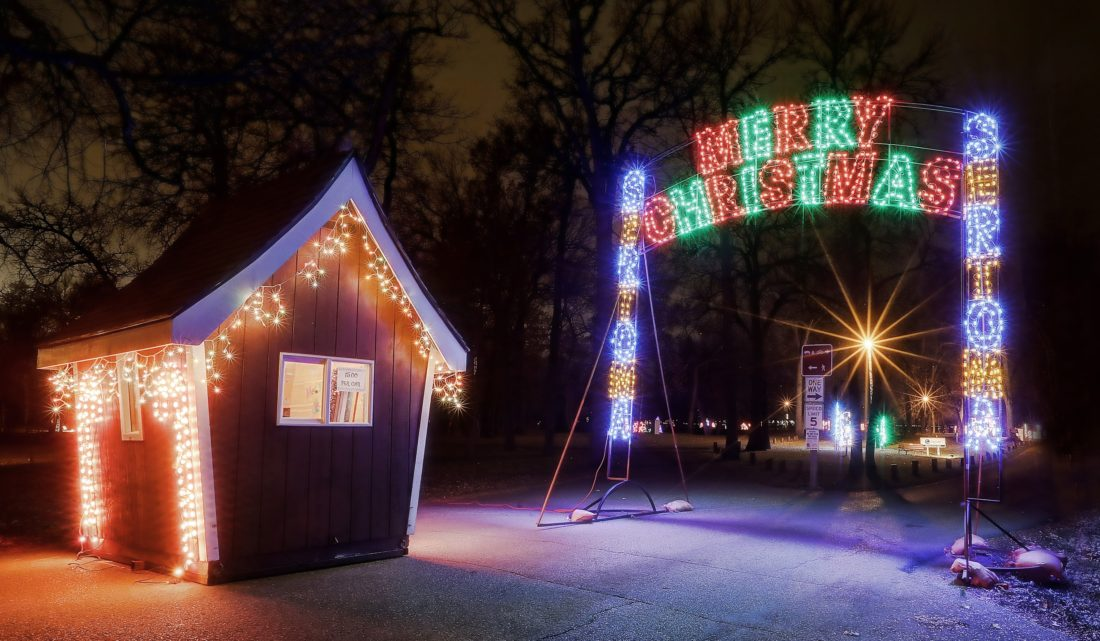 Christmas in the Park lights up Oak Park | News, Sports, Jobs - Minot Daily  News - Christmas In The Park Lights Up Oak Park News, Sports, Jobs