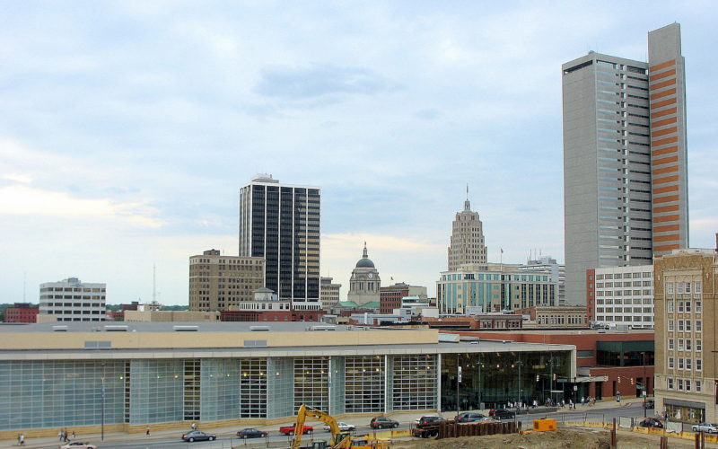 As of July 1, 2016, Fort Wayne had an estimated 264,488 residents, up from the 253,700 people counted for the 2010 U.S. Census.
