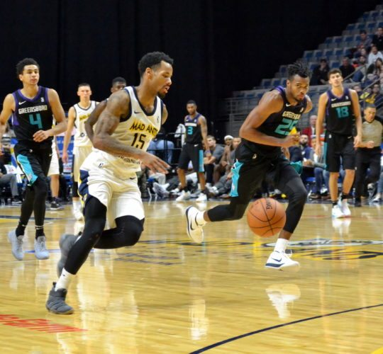 Mad Ants point guard Walt Lemon Jr. heads to the basket for a fourth-quarter lay-in on his way to 25 points in Fort Wayne's home-opening win Tuesday night. (By Blake Sebring of News-Sentinel.com)