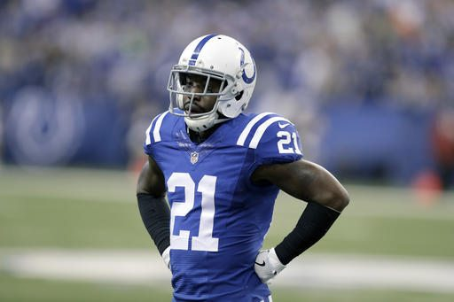 Indianapolis Colts cornerback Vontae Davis takes up his position during the first half of an NFL football game against the Houston Texans Sunday, Dec. 11, 2016, in Indianapolis. (Photo by the Associated Press)