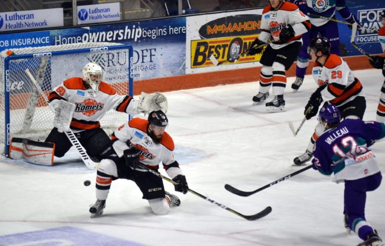 Komets forward Taylor Crunk goes down to block a shot on an Orlando power play. (By Blake Sebring of News-Sentinel.com)