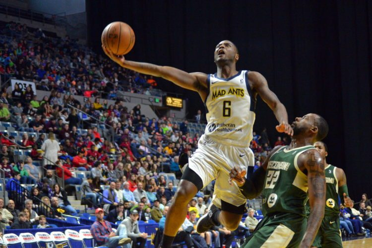 Fort Wayne Mad Ants rookie guard Tra-Deon Hollins is working to gradually earn more playing time. (By Blake Sebring of News-Sentinel.com)