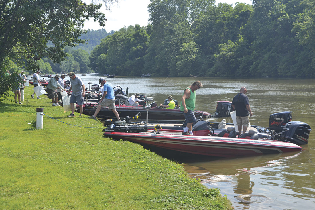 Sunny days help lure anglers to west virginia bass for Bass fishing in ohio