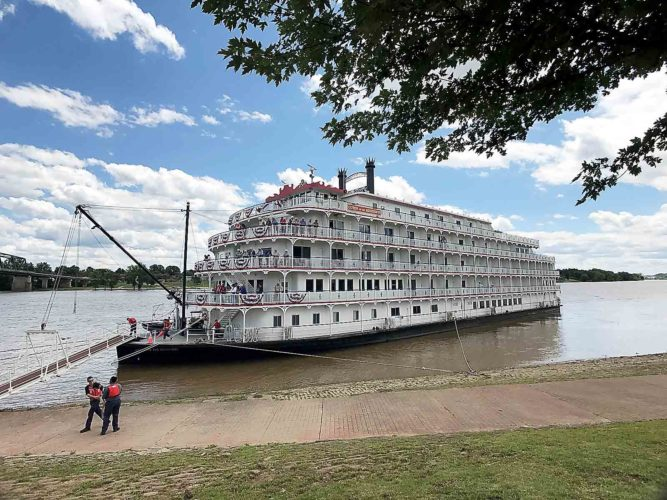 The Queen of the Mississippi docks at Ohio River levee in Marietta Monday. (Photo by Janelle Patterson)