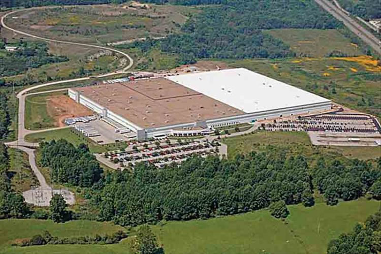 A new occupant for the former Coldwater Creek facility is expected to be announced this evening. (File Photo)