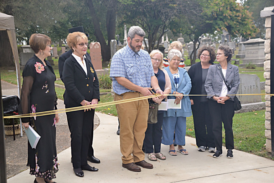 Photo by Brett Dunlap Mayor Tom Joyce was joined Sunday by a number of descendants of people buried in Riverview Cemetery on Juliana Street for the dedication of a new fence surrounding the historical cemetery.