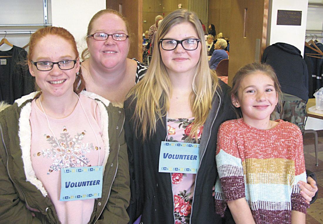 Church holds Christmas dinner for hundreds in Bristol, VA