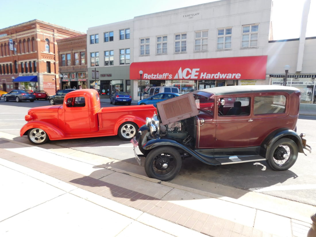 Cool cars (and a little shopping) | News, Sports, Jobs - The Journal