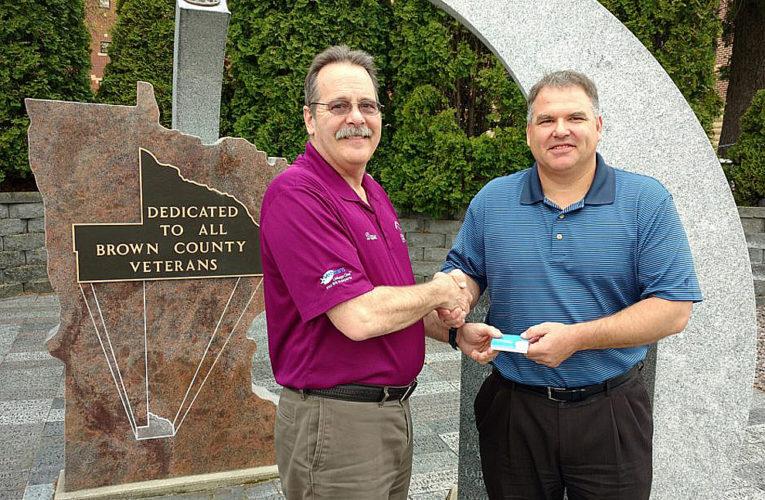 Elks donate to Veterans