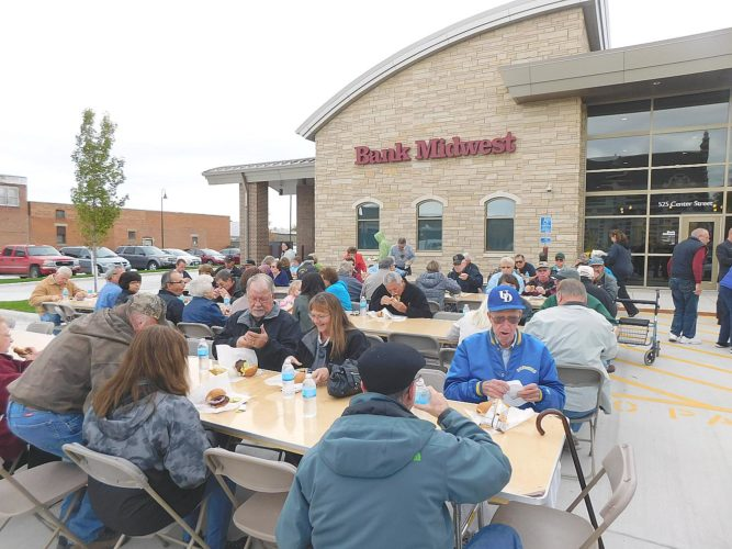 A public open house was held for the new Bank Midwest building. The Bank Midwest building broke ground 11 months ago. At the time it was predicted the building would be completed by Oktoberfest. In honor of the open a house a special burger/hotdog lunch was hosted in the parking lot for the public. Hy-Vee catering served the food free to the public. The event drew a large crowd. Bank Midwest will also sponsor the today's Oktoberfest Parade which starts at 10:30 a.m.