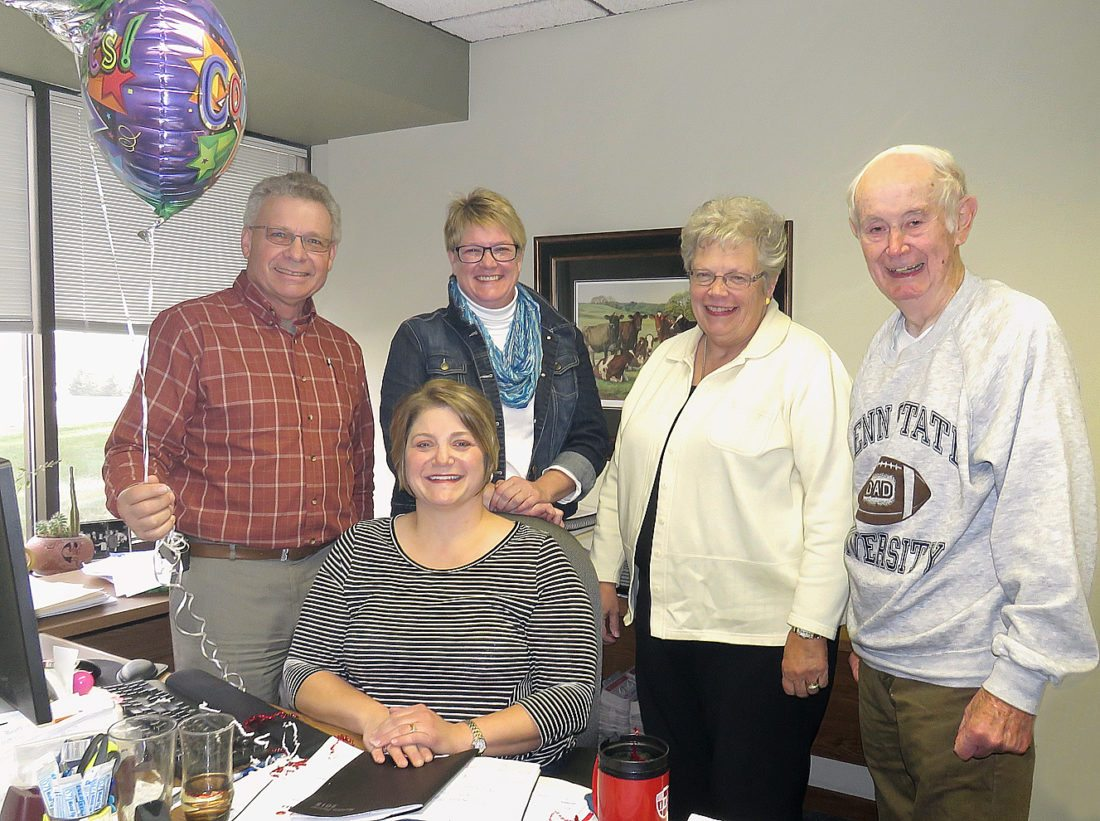 Photo courtesy of the New Ulm Farm City Hub Club The newest Service to Agriculture recipient, Michele Schroeder, seated, was joined by previous recipients of the Hub Club award Monday, November 13. Pictured, from left are Denny Schmidt, Kerry Hoffmann, Janine Enter, and Terry Dempsey. Not pictured: Ruth Klossner.