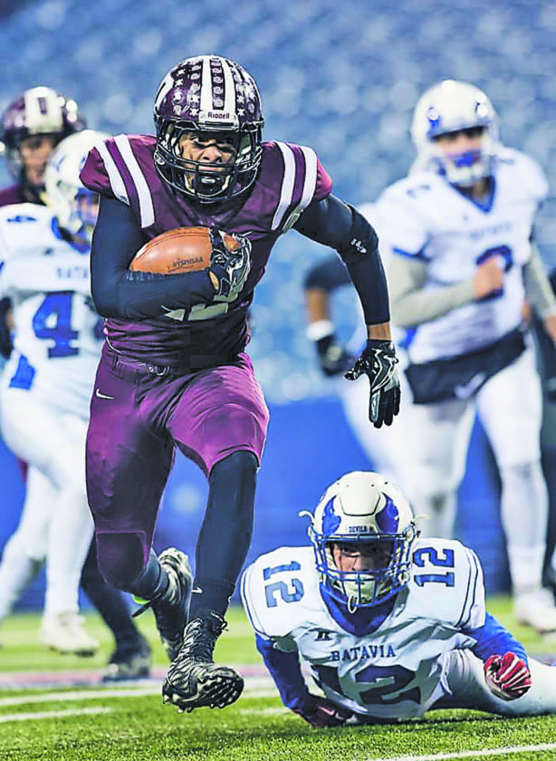 OBSERVER File Photo Dunkirk's Alton Ingram (42) runs for a touchdown against Section V's Batavia during the NYSPHSAA Class B Far West Regional at New Era Field, in Orchard Park.