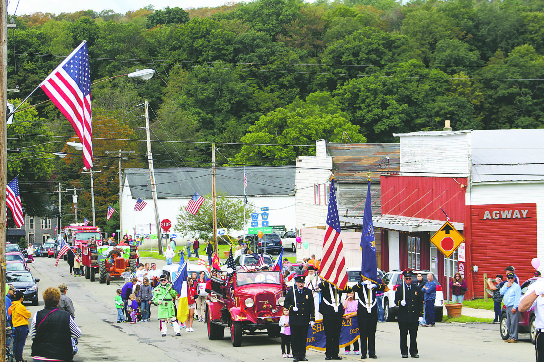 OBSERVER Photo by Harley Anderson Sinclairville hosted its 19th annual History Fair on Saturday with a parade. Participating in the parade were classic cars and tractors, floats of local businesses, a marching band and several area fire departments.