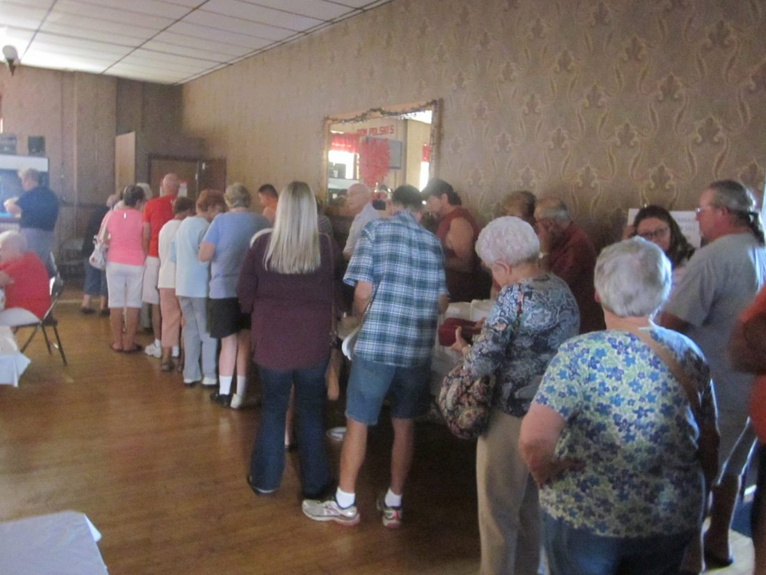 OBSERVER Photo by Diane R. Chodan A large crowd lined up at Dom Polski for its annual fall buffet. On the menu were Polish favorites such as golabki, pierogi, sauerkraut, sweet and sour cabbage, and czarnina.