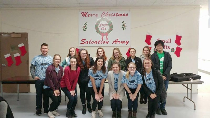 Submitted Photo Pictured are Alternative Break Program members at the Salvation Army.