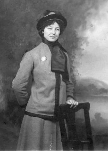 Jen in her Volunteers of America uniform.