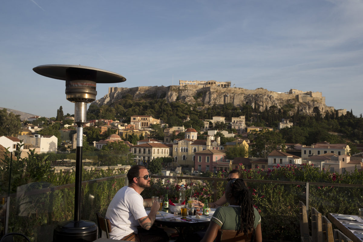 New Greek austerity measures tap cafe culture