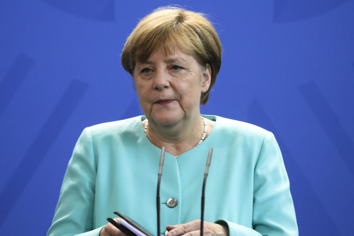 Merkel spokesman criticizes Russia for Aleppo food crisis