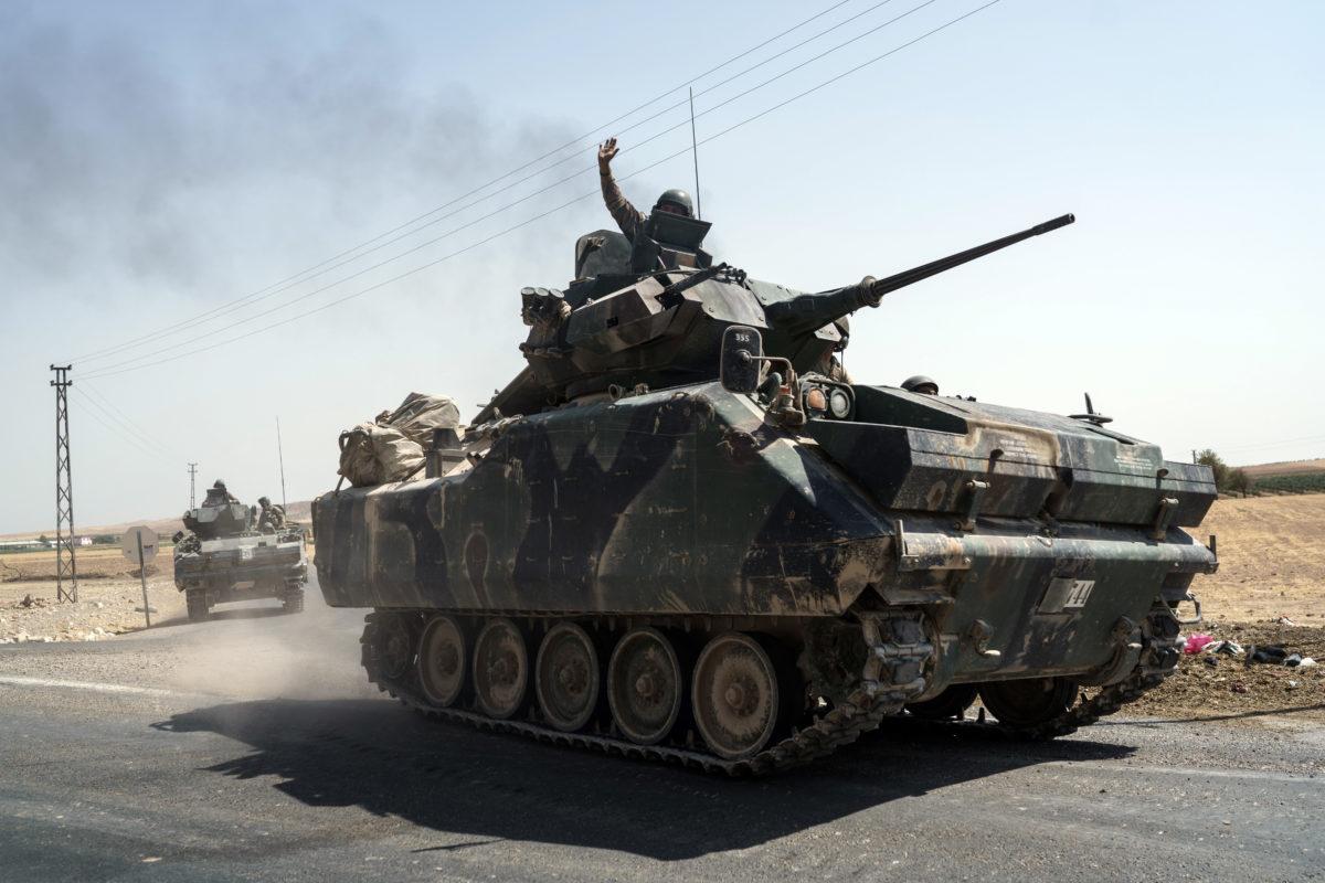 Syrian rebels advance on Kurds as Turkish strikes kill 35