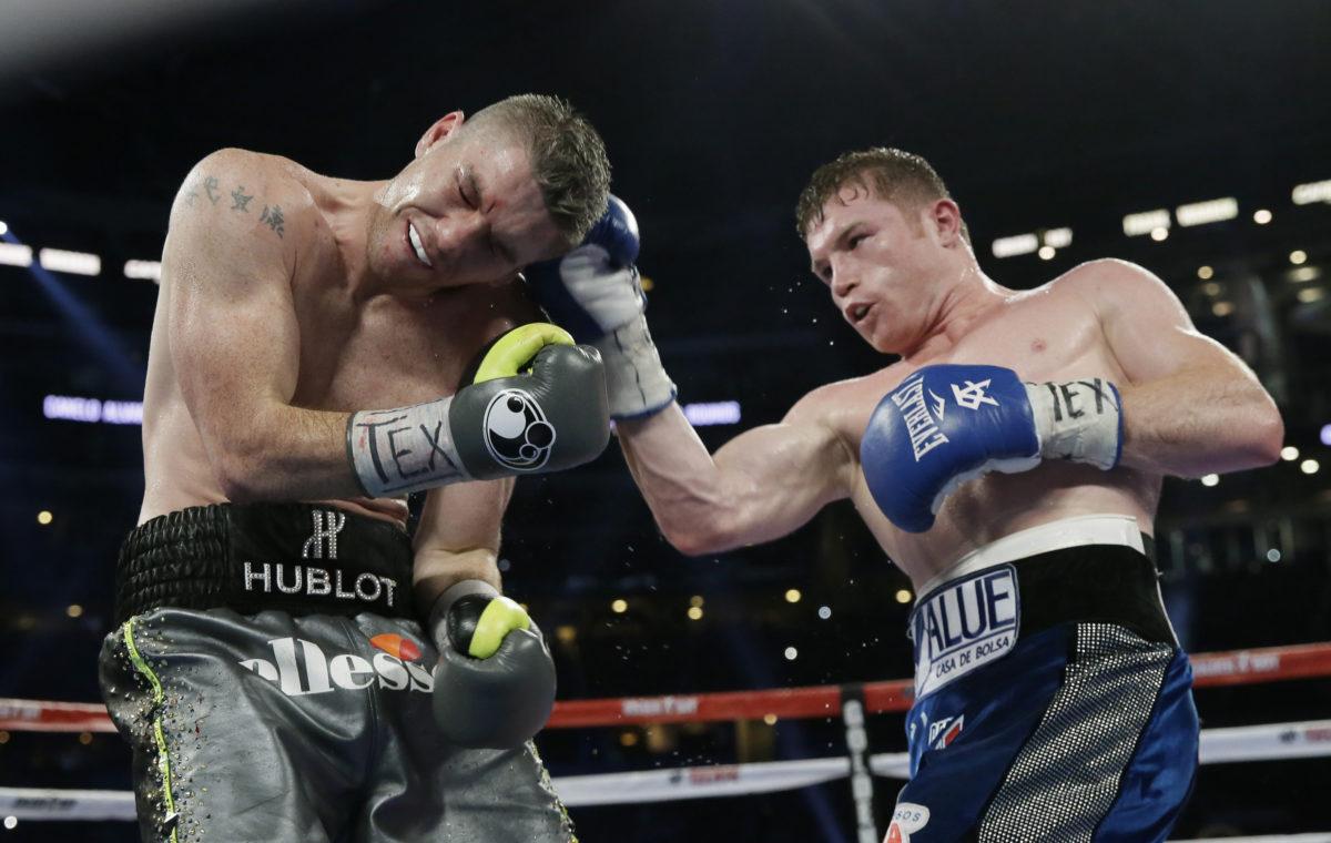 Canelo Alvarez knocks out Liam Smith in 9th round