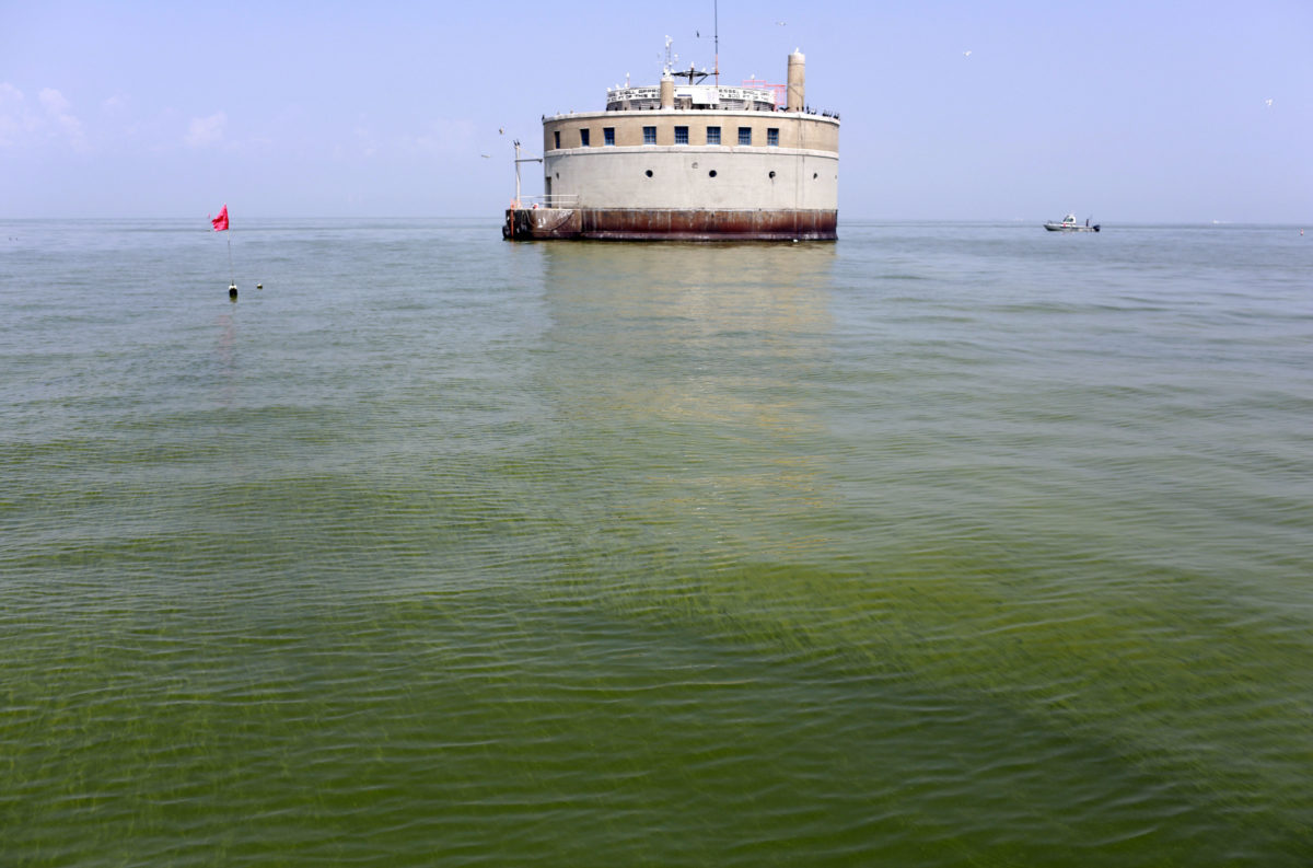 Groups: Work curbing Lake Erie algae need to target hotspots